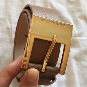 Michael Kors tan/brown belt with gold buckle 💛